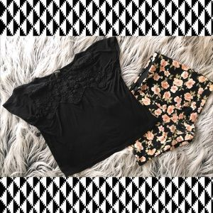 CROPPED TOP WITH CROCHET NECKLINE